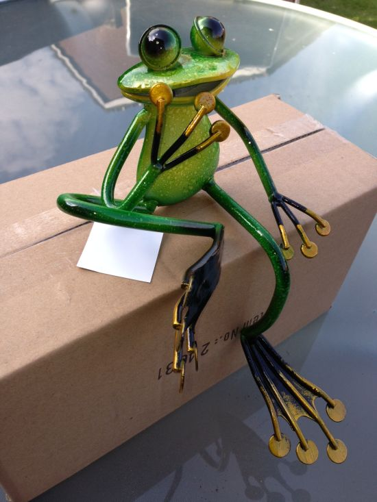 High Quality SUPERB SHELF SITTING METAL GARDEN FROG SCULPTURE ORNAMENT